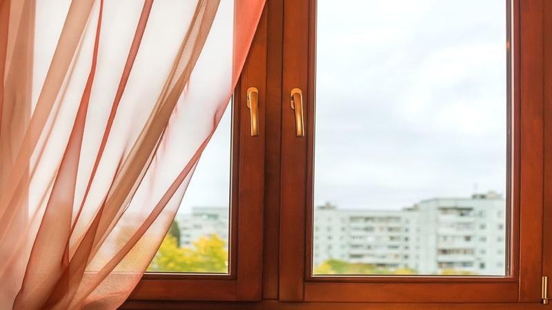 hőszigetelő fa ablak javítása